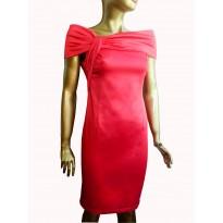 Rochie de seara eleganta din satin, de culoare rosie cambrata pe corp cu guler tip sal